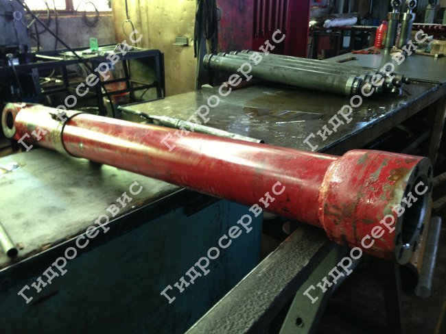 Repair of hydraulic cylinders piston and telescopic