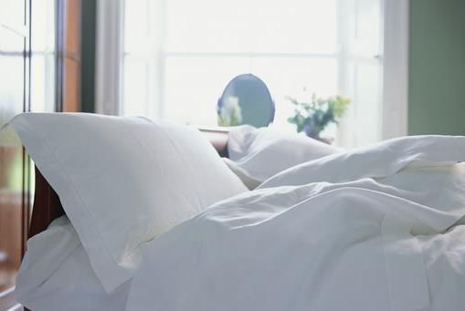 Заказать Услуги по пошиву постельного белья, штор, гардин, покрывал, текстильный дизайн и оформление помещений, моделирование и пошив рабочей одежды, печать логотипа предприятия.