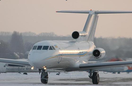 Заказать Бизнес-перевозки на самолетах Як-40 с VIP-салоном