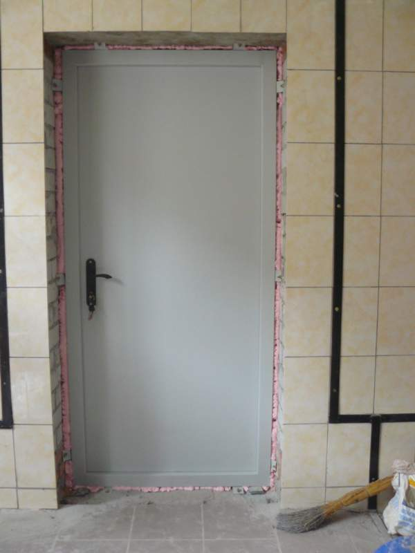 Order Installation of fire-prevention doors