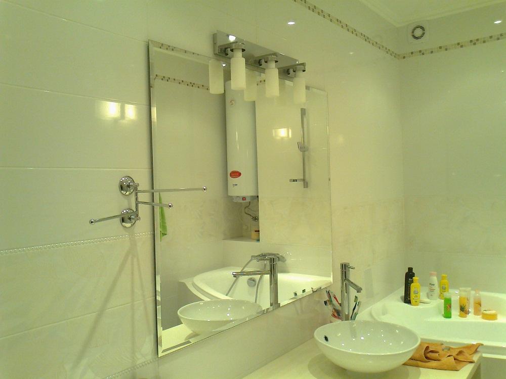 Работы зеркал под заказ,  фацет. Зеркало в ванную с фацетом
