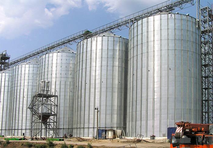 Элеваторы пошли ва-банк: Россельхозбанк распродает имущество заемщика