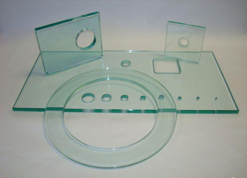Заказать Сверление отверстий в стекле от 3 до 70 мм.