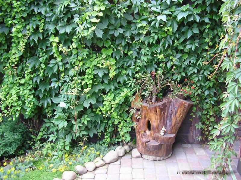 Заказать Деревянные колоды в ландшафтном дизайне