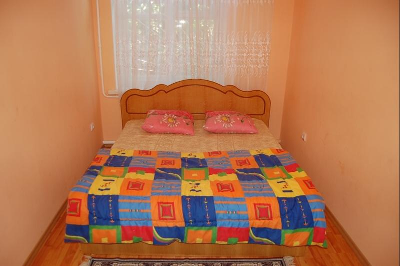 Заказать Аренда квартир посуточно, 2х комнатная, 1 остановка от Студгородка