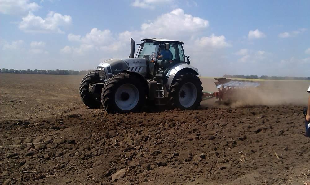 Заказать Услуги по обработке земли: вспашка и другие работы по подготовке почвы