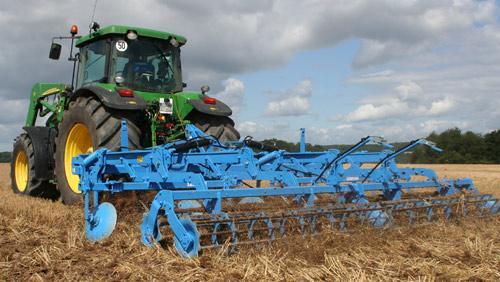 Заказать Культивация,подготовка почвы, посев,внесение жидких удобрений и другие услуги в сельском хозяйстве
