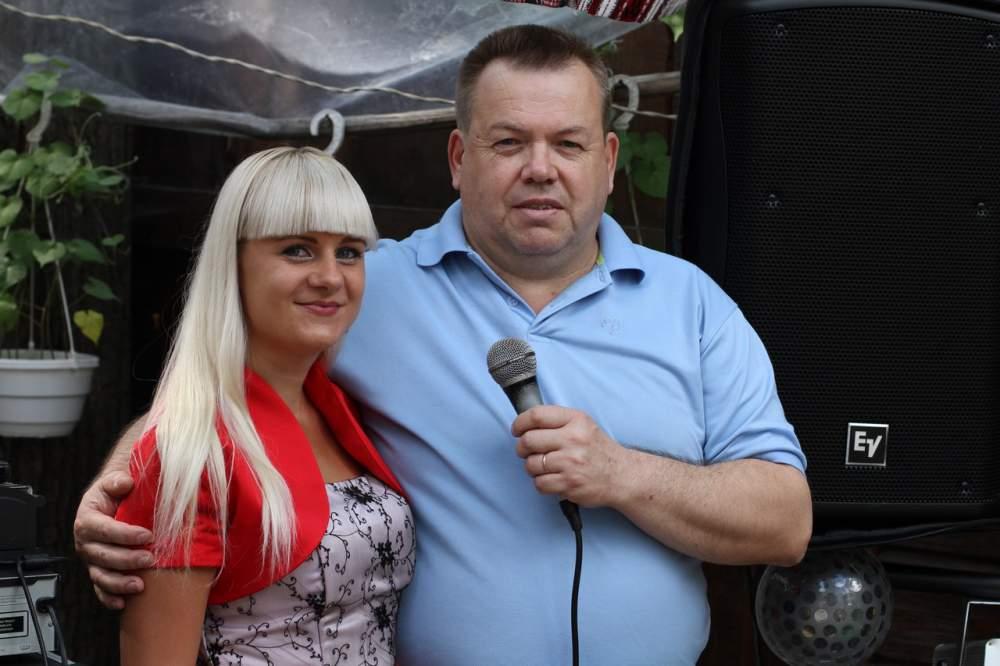 Заказать Музыканты и ведущие на свадьбу Киев