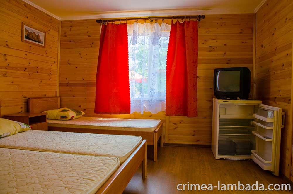 Заказать Отдых в Крыму, пос. Заозерное, отдельный домик