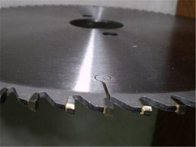 Заказать Изготовление дисковых пил и ножей не стандартного размера