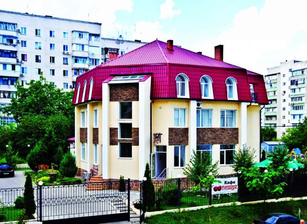Заказать Отель на берегу Черного моря, Ильичевск, 20 км от Одессы, Украина