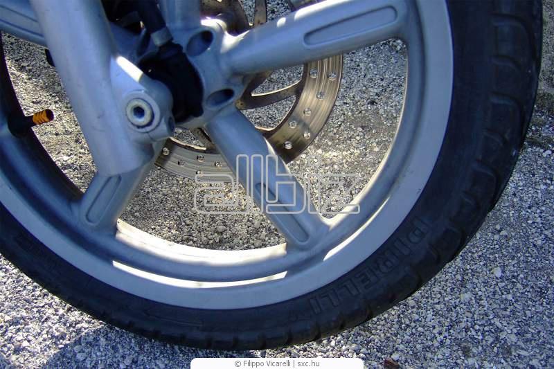 Заказать Рихтовка литых и стальных колесных дисков