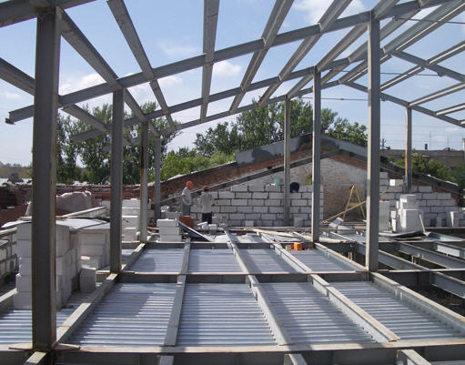Заказать Изготовление и монтаж металлоконструкций из легких стальных прогонов