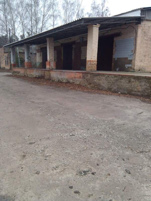 Заказать Аренда складов с.Калиновка (51км. трасса Киев-Житомир) 600-3000 м2.