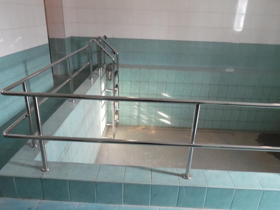 Заказать Монтаж и изготовление лестниц, поручней, ступенек для бассейнов