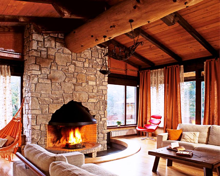 Облицовка потолка блок-хаусом: Потолок с декоративными несущими балками