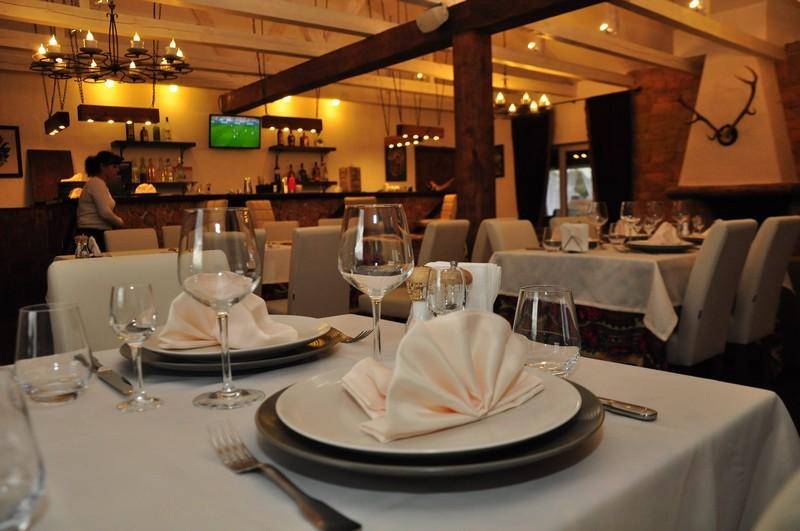 Заказать Ресторан с домашней пищей приготовленные из печи блюда