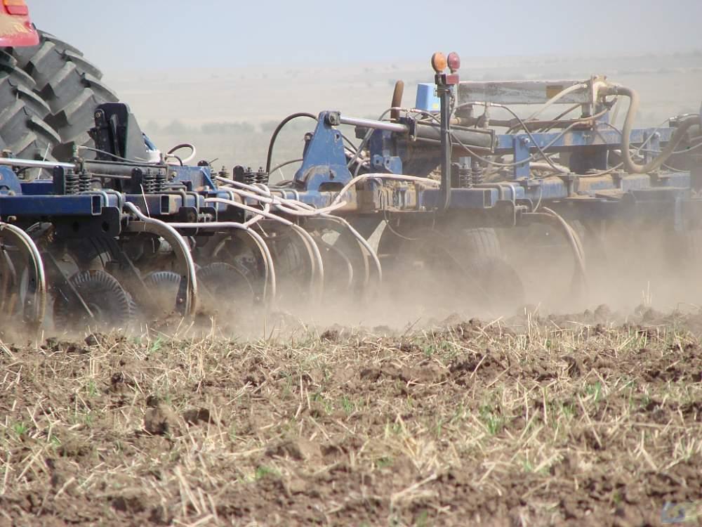 Заказать Доставка и внесение жидких азотных удобрений в грунт