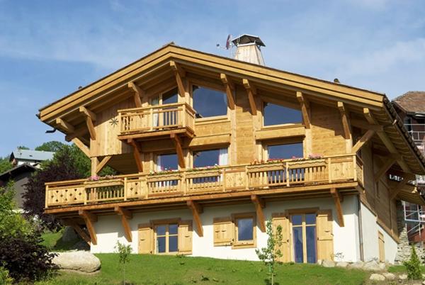 Заказать Строительство деревянных домов из сруба и клееного бруса