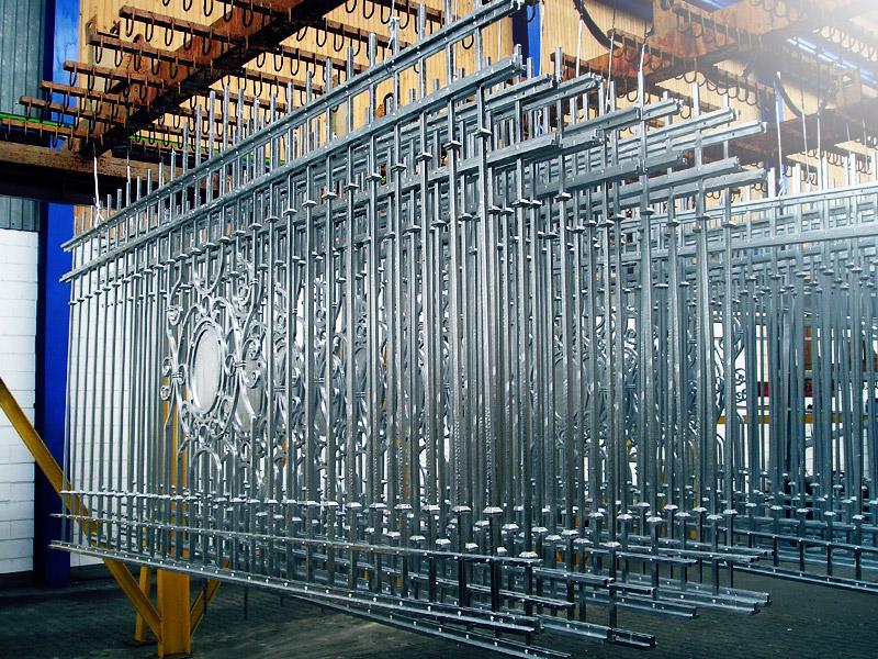 Замовити Гаряче цинкування металовиробів і металоконструкцій