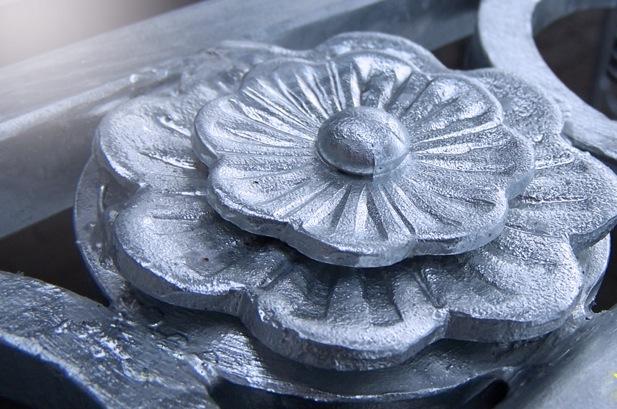 Заказать Услуги горячего цинкования кованых элементов