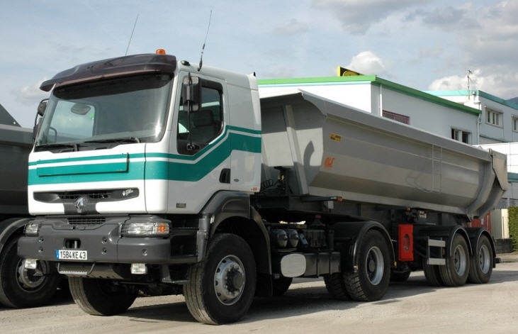 Order The Renault tractor with the dumping trailer 40 of