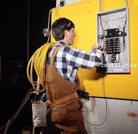 Заказать Электрик в Ужгороде, услуги электрика в удобное для вас время за приемлемую цену.