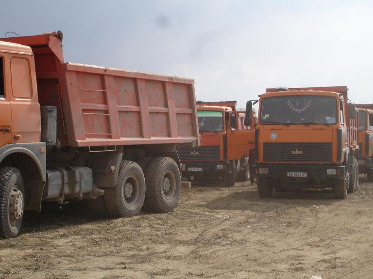Заказать Услуги самосвала МАЗ 551605