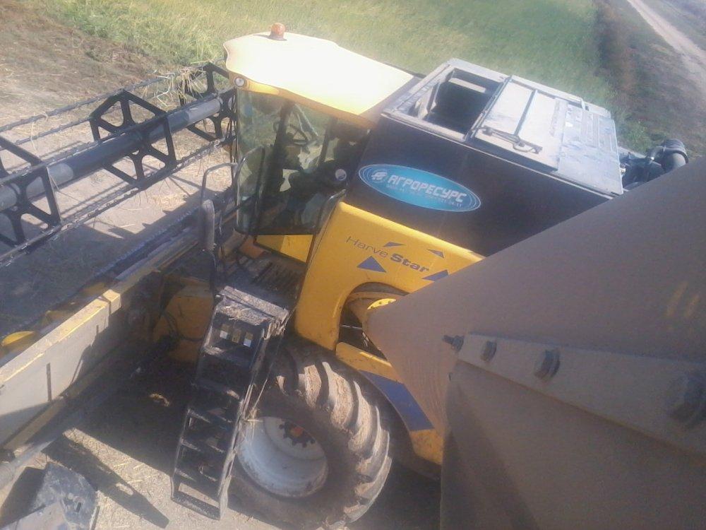 Заказать Уборка урожая зерноуборочными комбайнами new holland