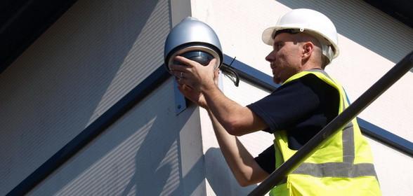 Монтаж видеокамер, систем видеонаблюдения на высоте, электромонтажные высотные работы