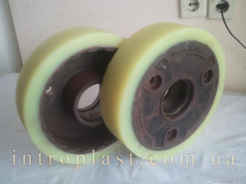 Заказать Покрытие полиуретаном колес, восстановление контактного слоя.