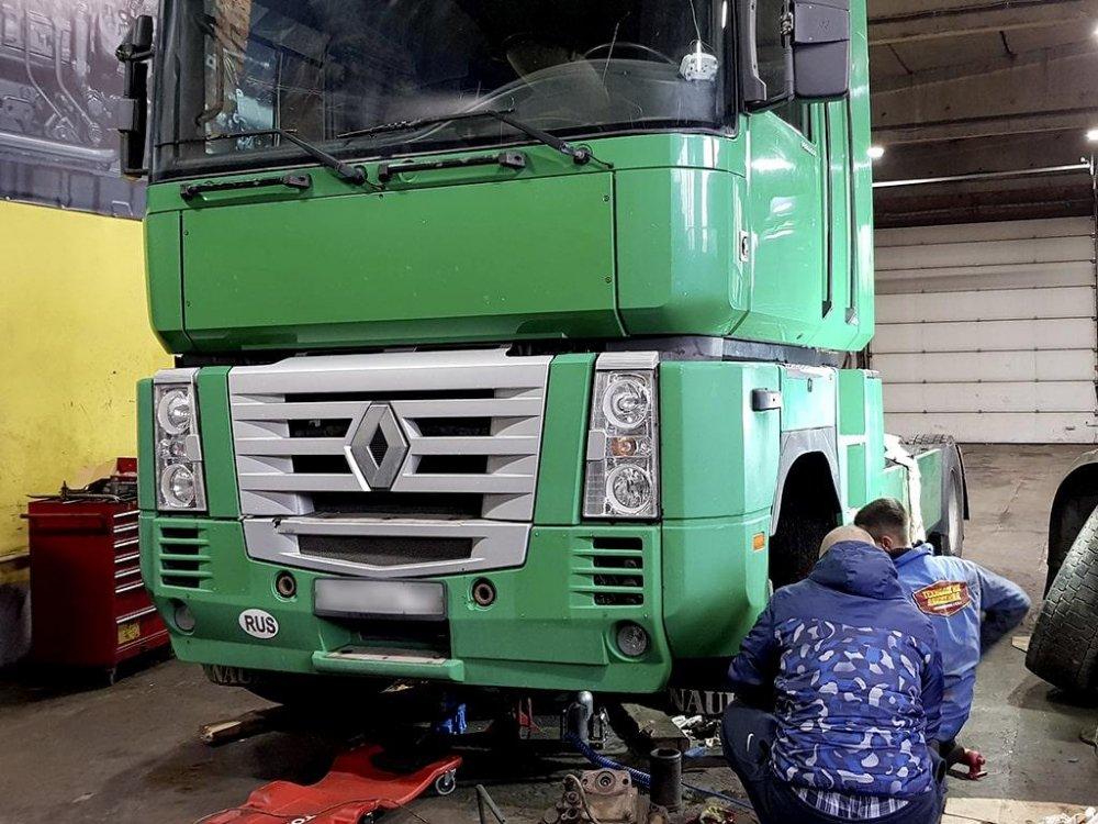 Заказать Втулки стабілізатора кабіни -заміна Renault