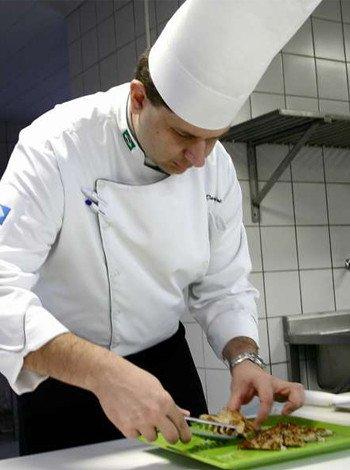 Заказать Требуется повар в Польшу