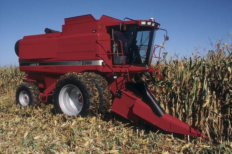 Заказать Услуги по уборке зерновых комбайн Case 2388