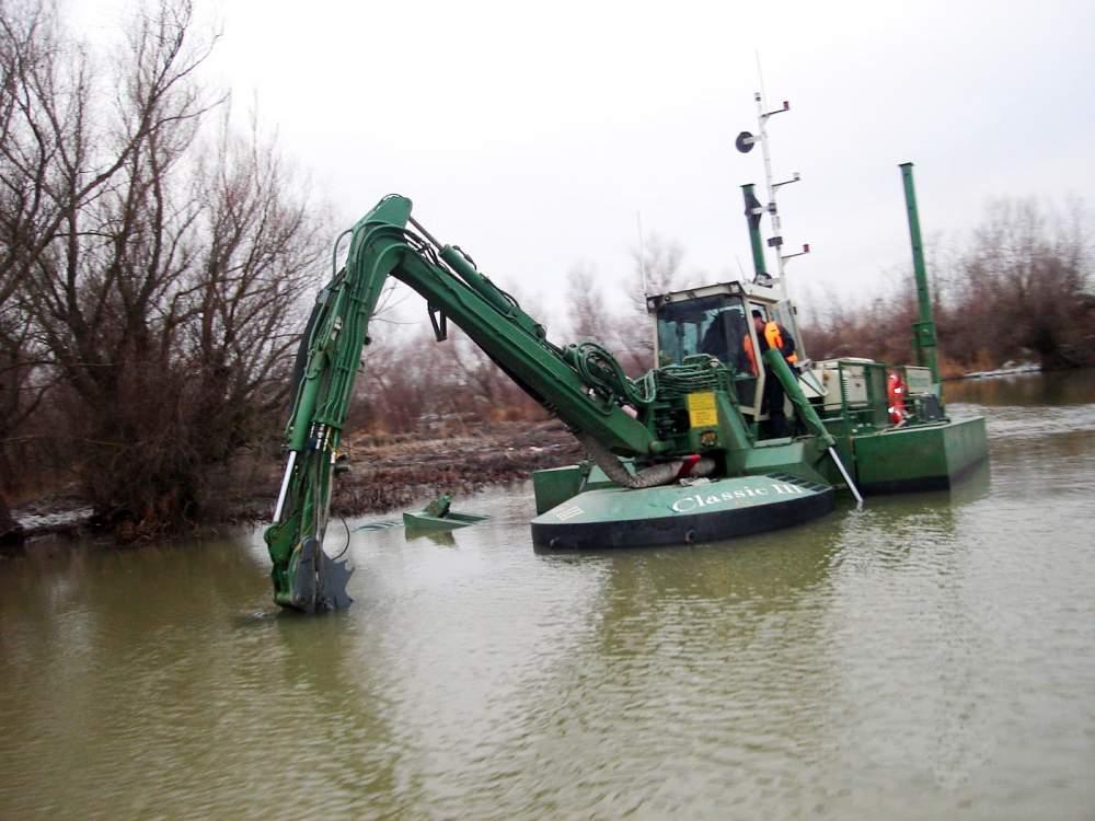 Услуги по расчистке водоемов Одесса область