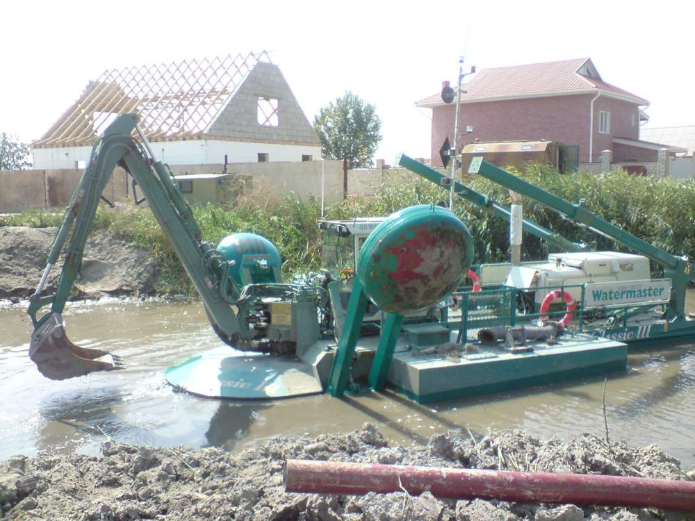 Rent and services of the Watermaster Classic III Odessa dredge area