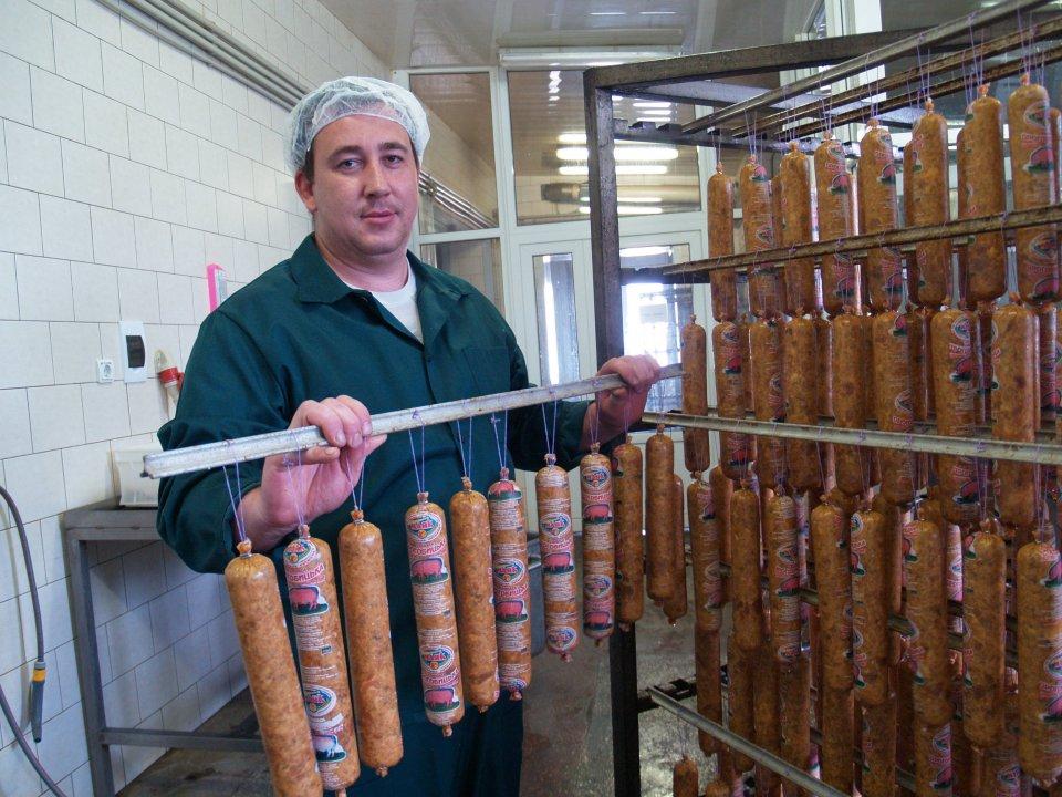 Заказать Выработка мясных изделий колбас Маяк из собственного сырья
