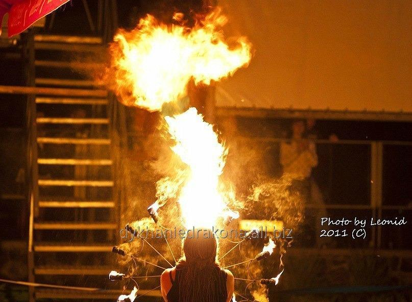 Заказать Искрометное фаер шоу для любого праздника ! Огненное шоу + пиротехнический финал !