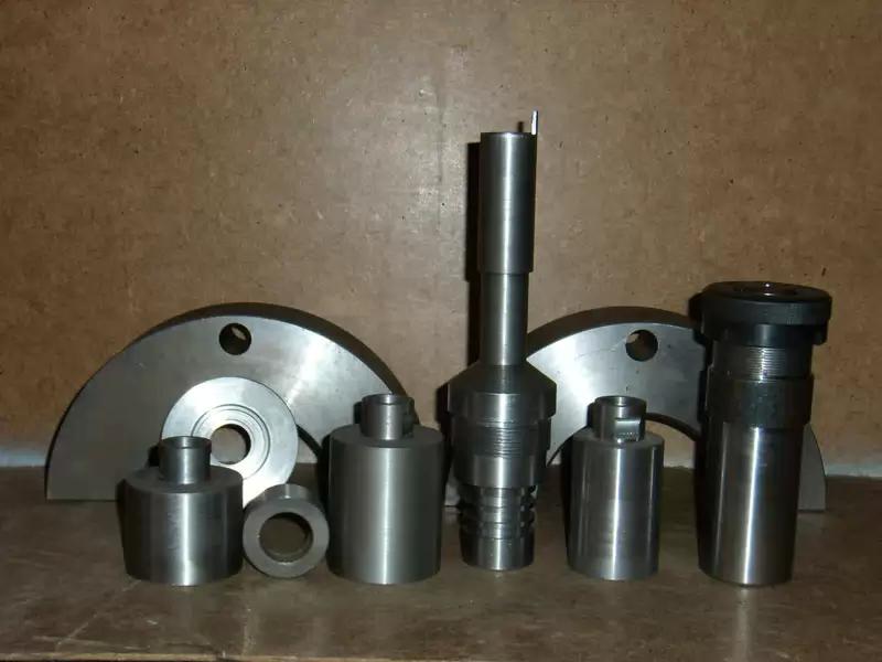Заказать Механическая обработка металла. Изготовление изделий по чертежам, эскизу, образцу. Токарные работы любой сложности.