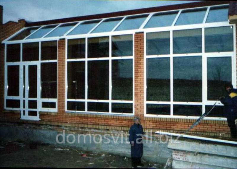 Изготовление и монтаж стеклянных конструкций по доступным ценам в Киеве