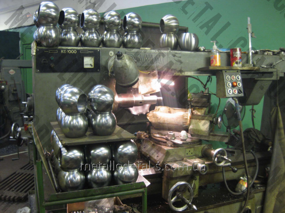 Обработка наружных и внутренних шаровых поверхностей на фрезерных станках
