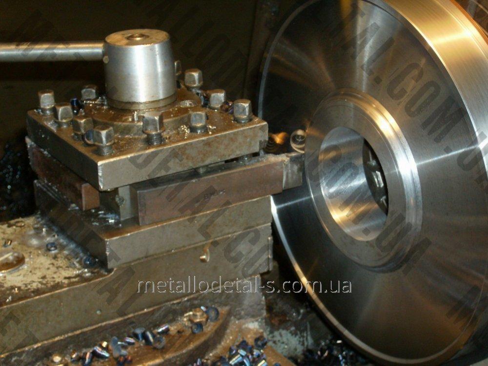 Обработка металлических торцов или уступов