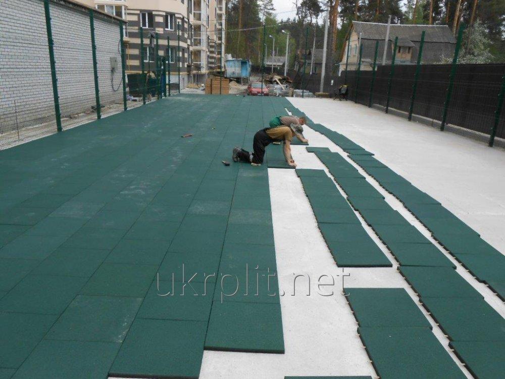 Rubber floor coating for warehouse