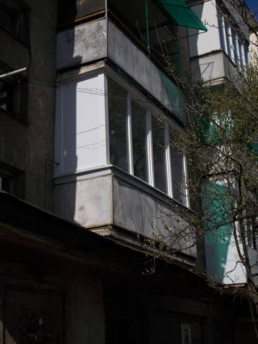 Заказать Металопластиковий балкон від перил