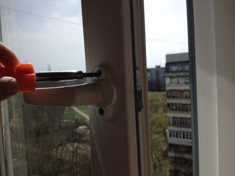 Заказать Ремонт металлопластиковых окон и дверей в Запорожье