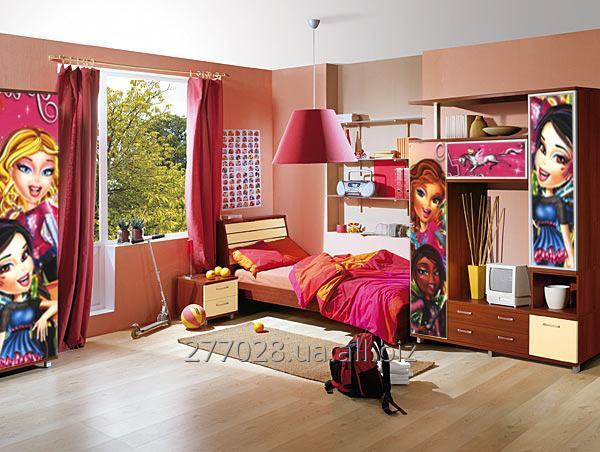 Заказать УФ-печать на мебельных фасадах, дверях, напольных покрытиях (ламинате, паркете)