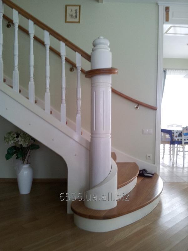 Заказать Изготовление деревянных лестниц под заказ