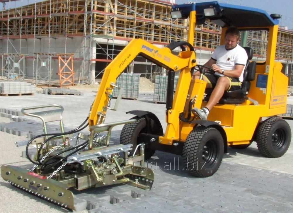 Заказать Механизированная укладка тротуарной плитки с помощью машины для укладки тротуарной плитки Probst VM 203