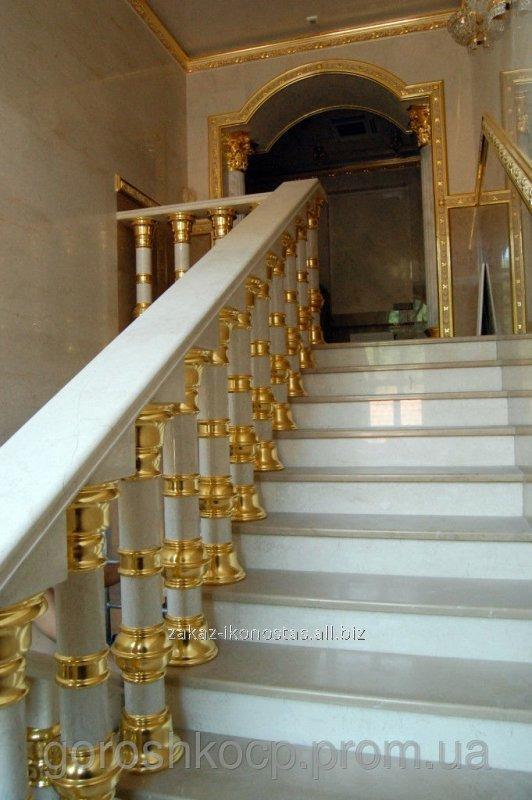 Заказать Золочение декора потолков, багетов, стен, лестниц