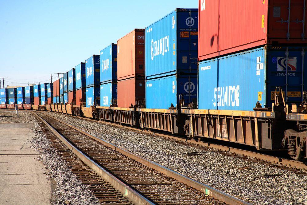 Заказать Железнодорожные перевозки груза по Украине